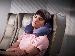 coussin de voyage le confort ultime mon bagage cabine. Black Bedroom Furniture Sets. Home Design Ideas